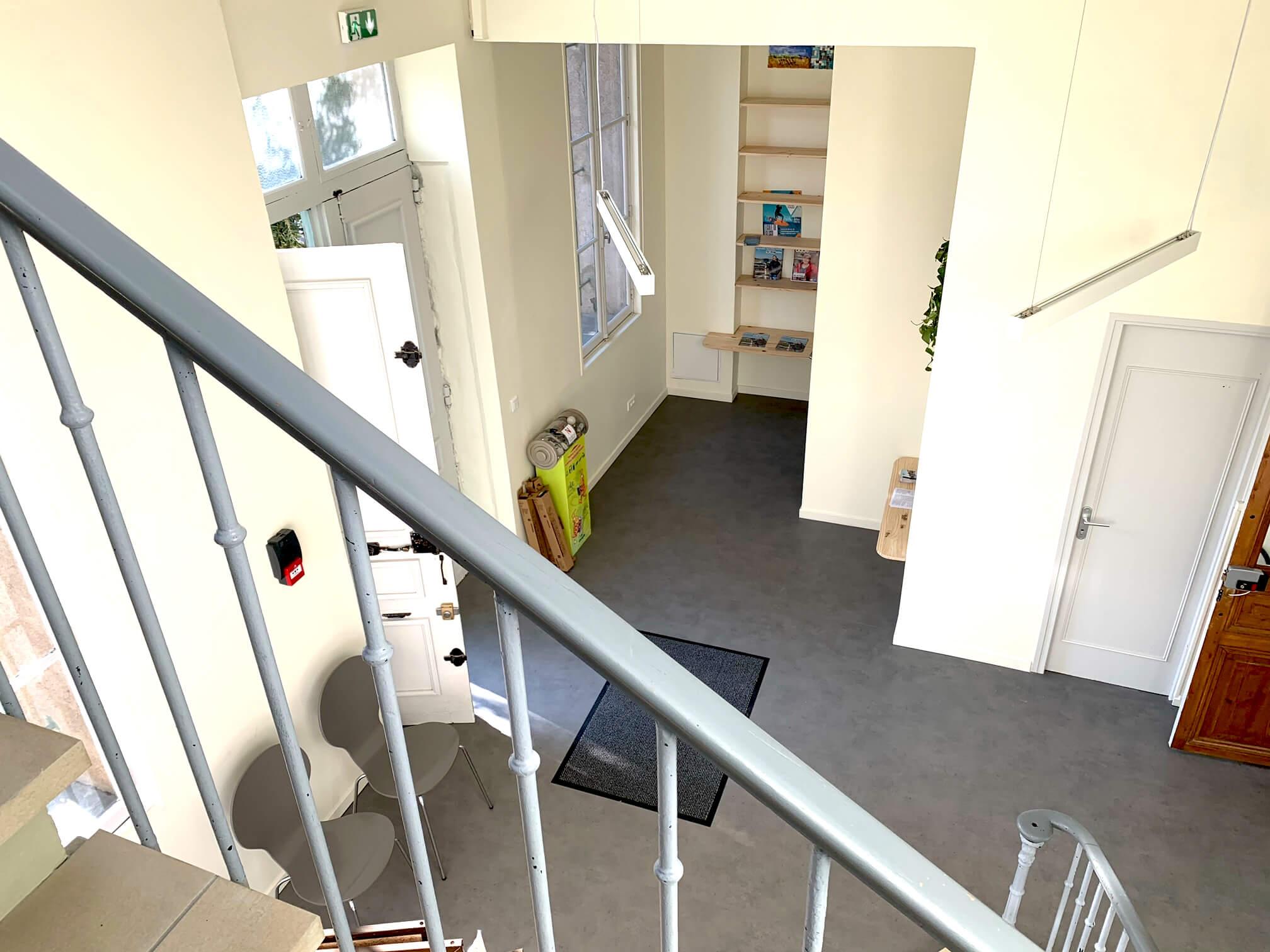 alt = Atmos Architecture - Portfolio - Salle d'attente - Mairie de Bages (Aude)